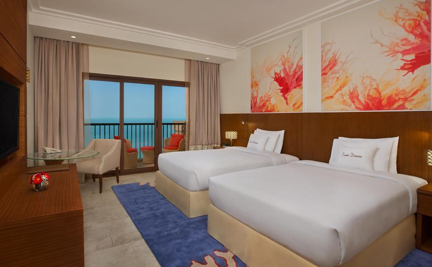Twin Guest Room with Balcony and Sea View